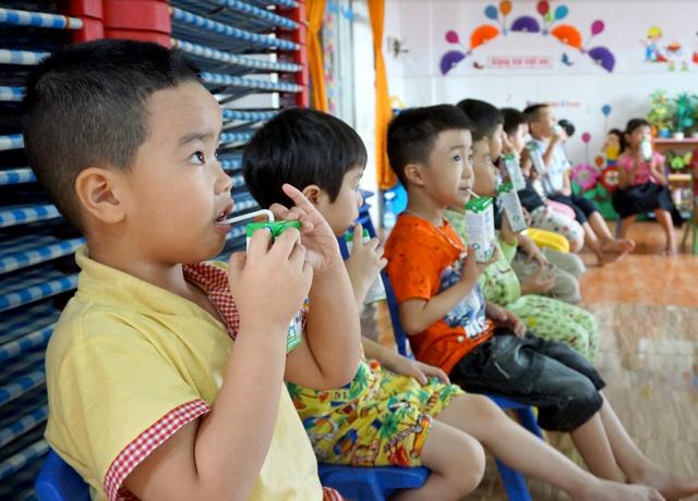 Sữa học đường giảm bớt gánh lo cho phụ huynh giữa mùa COVID-19 - Ảnh 3.