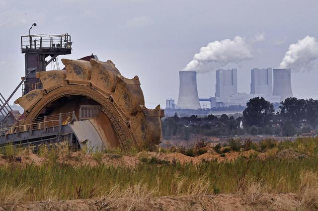 Trung Quốc đặt mục tiêu đưa lượng khí thải về 0 trước năm 2060 - Ảnh 1.