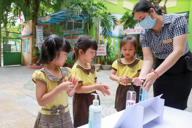 Sữa học đường đồng hành cùng học sinh Đà Nẵng sau giãn cách - Ảnh 2.