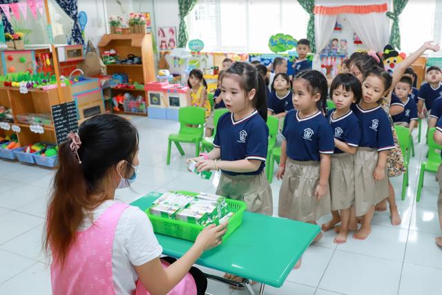 Sữa học đường đồng hành cùng học sinh Đà Nẵng sau giãn cách - Ảnh 4.