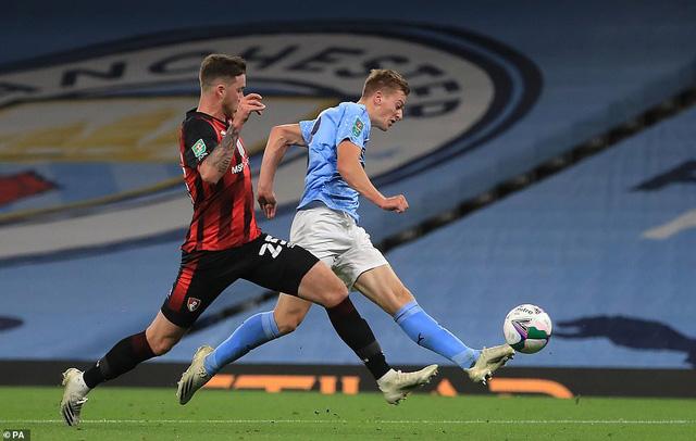 Man City 2-1 Bournemouth: Sao trẻ tỏa sáng, Man Xanh tiến vào vòng 4 cúp Liên đoàn Anh - Ảnh 1.