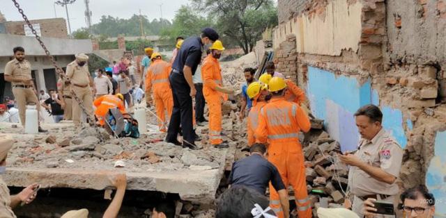 Sập tòa nhà tại Ấn Độ, ít nhất 4 người thiệt mạng - Ảnh 1.