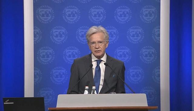 IMF: Triển vọng kinh tế thế giới bớt u ám hơn - Ảnh 1.