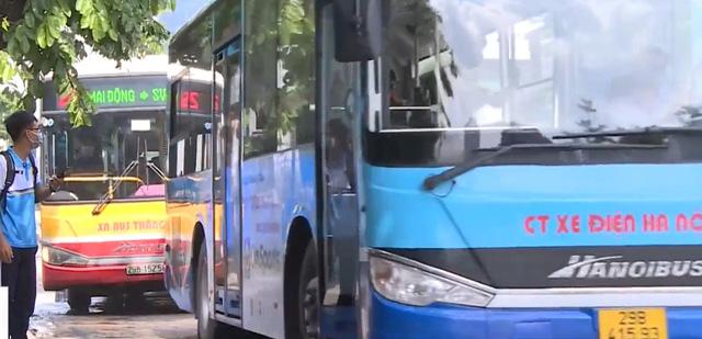 Hà Nội tăng cường kết nối giữa người dân và mạng lưới phương tiện công cộng - Ảnh 1.