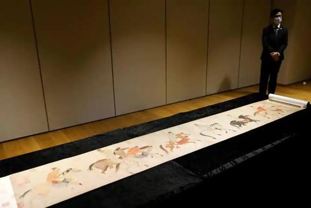 Chiêm ngưỡng tranh cuộn Trung Hoa 700 năm tuổi trị giá Hơn 213 tỷ VND - Ảnh 2.