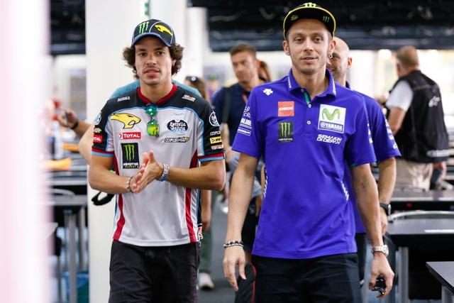 Valentino Rossi ký hợp đồng 1 năm với Petronas Yamaha - Ảnh 1.