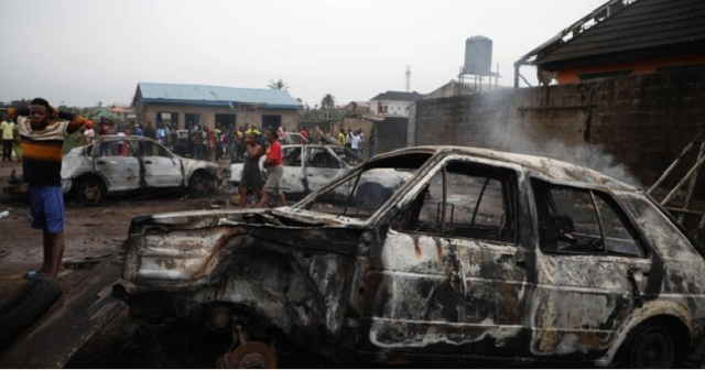 Phục kích đoàn xe chở Thủ hiến bang Borno (Nigeria), ít nhất 30 người thiệt mạng - Ảnh 1.
