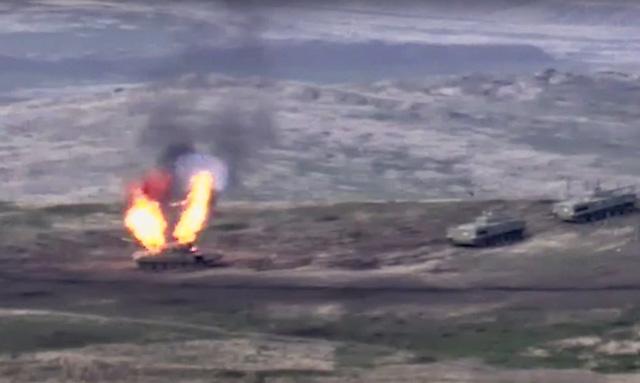 Armenia thiết quân luật sau đụng độ vũ trang nghiêm trọng với Azerbaijan - Ảnh 3.