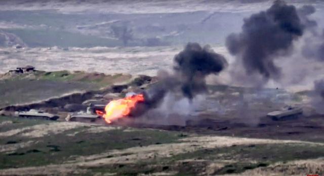 Armenia thiết quân luật sau đụng độ vũ trang nghiêm trọng với Azerbaijan - Ảnh 2.