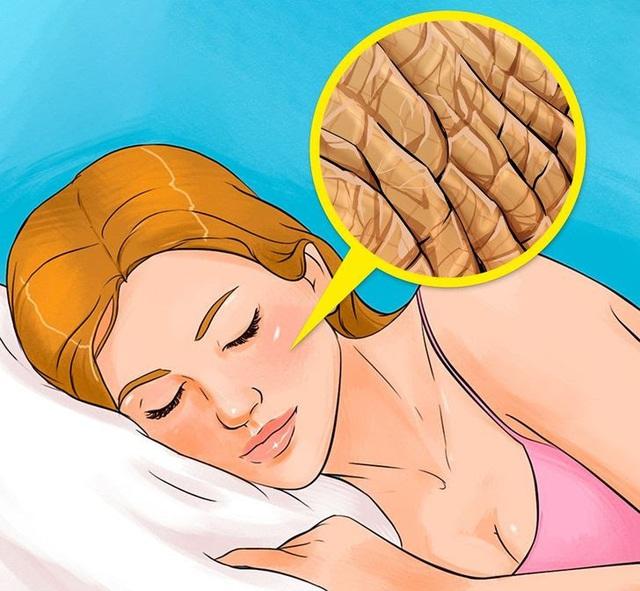 7 điều sẽ khiến bạn hối hận nếu không tẩy trang trước khi ngủ - ảnh 3