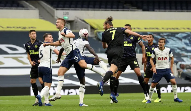Mourinho đá xoáy FA sau trận thua Newcastle - Ảnh 2.