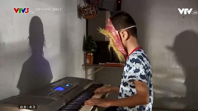 Điều ước thứ 7: Cậu bé khuyết tật đôi mắt đam mê những phím đàn - Ảnh 5.