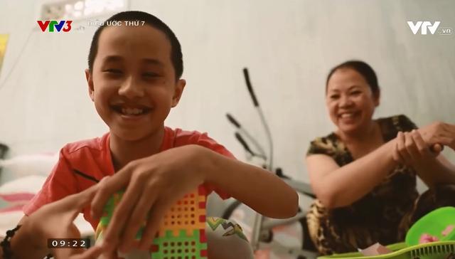 Điều ước thứ 7: Cậu bé khuyết tật đôi mắt đam mê những phím đàn - Ảnh 3.