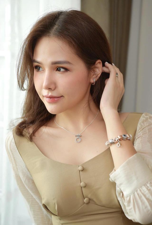 Cuộc sống thảnh thơi, sang chảnh của Phanh Lee sau kết hôn - Ảnh 13.