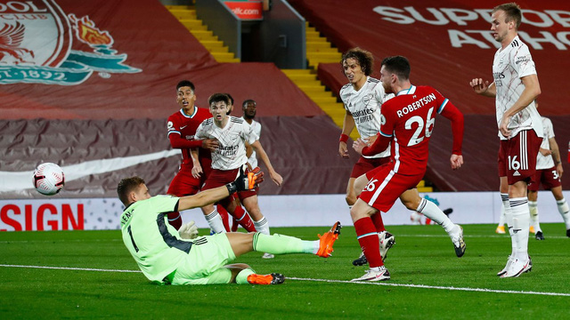 Liverpool 3-1 Arsenal: Nhà ĐKVĐ khẳng định sức mạnh! - Ảnh 3.