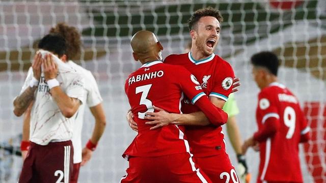 Liverpool 3-1 Arsenal: Nhà ĐKVĐ khẳng định sức mạnh! - Ảnh 4.