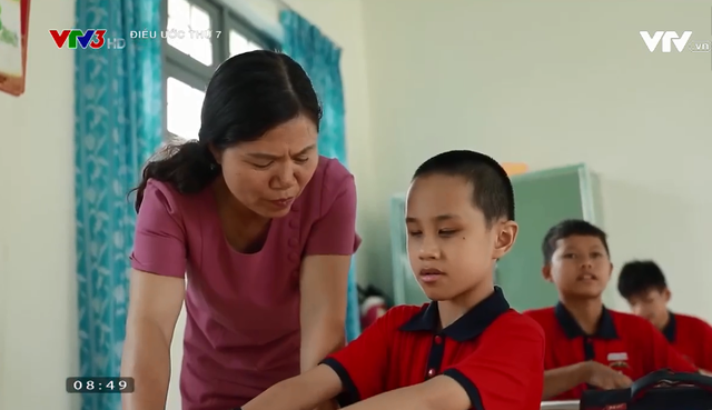 Điều ước thứ 7: Cậu bé khuyết tật đôi mắt đam mê những phím đàn - Ảnh 4.