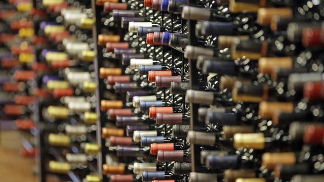 Rượu vang Mỹ vỡ trận vì COVID-19 và cháy rừng - Ảnh 2.