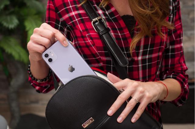 Giá của smartphone ngày càng đắt đỏ - Ảnh 1.