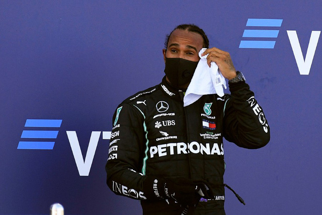Vì sao Lewis Hamilton bị phạt 10 giây tại GP Nga? - Ảnh 2.