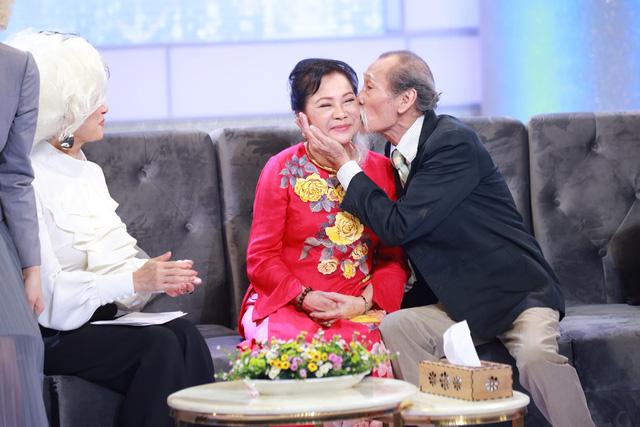 NSƯT Thanh Dậu tiết lộ món quà đặc biệt của chồng được bà gìn giữ 20 năm - Ảnh 3.