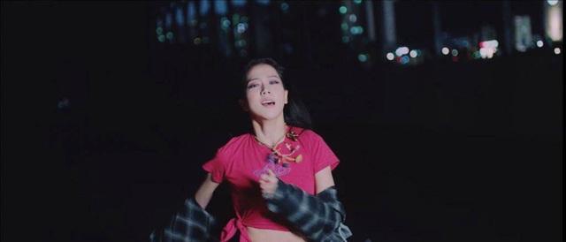BLACKPINK trở thành những cô gái si tình trong teaser MV mới - Ảnh 4.