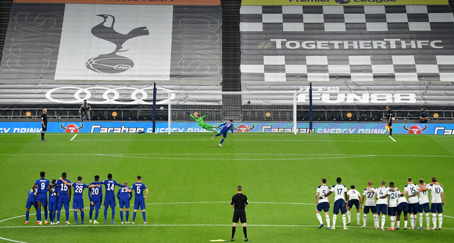Loại Chelsea sau loạt luân lưu, Tottenham vào tứ kết cúp Liên đoàn - Ảnh 2.
