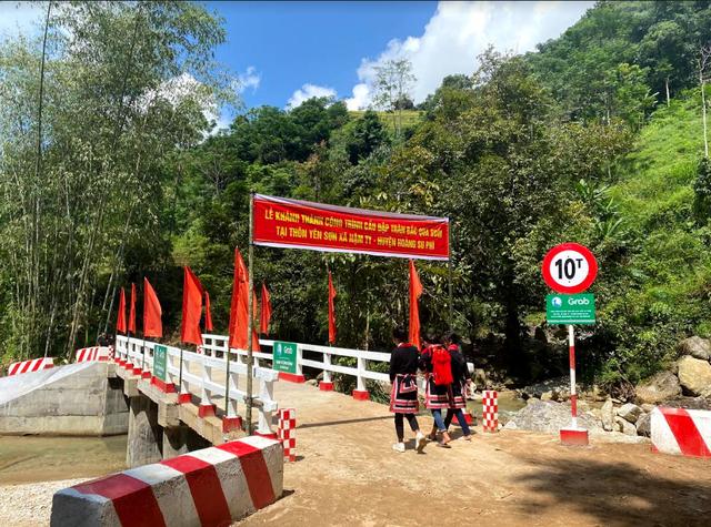 Hai cầu đập tràn ở Hà Giang trong dự án Xây cầu đến lớp hoàn thành - Ảnh 1.
