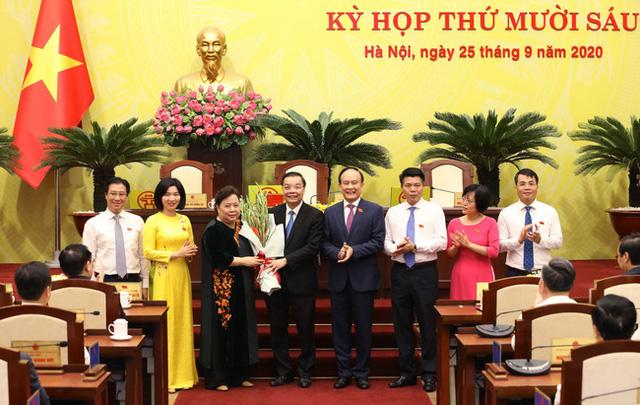 Thủ tướng phê chuẩn kết quả bầu chức vụ Chủ tịch UBND Hà Nội đối với ông Chu Ngọc Anh - Ảnh 1.