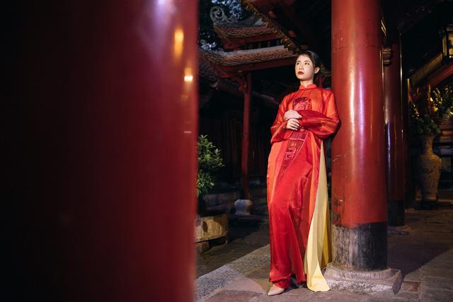 NTK Cao Minh Tiến đưa nghệ thuật Bài Chòi vào áo dài - Ảnh 8.