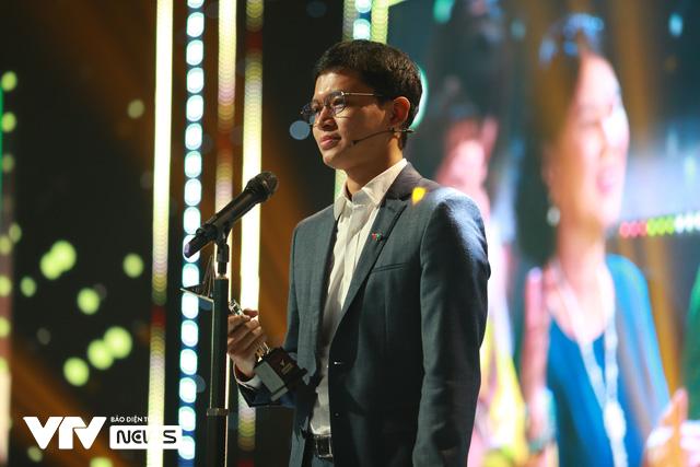 Những khoảnh khắc xúc động trong Lễ trao giải VTV Awards 2020 - Ảnh 3.