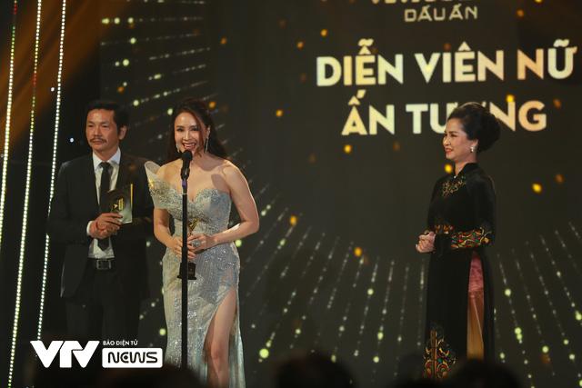 Những khoảnh khắc xúc động trong Lễ trao giải VTV Awards 2020 - Ảnh 4.