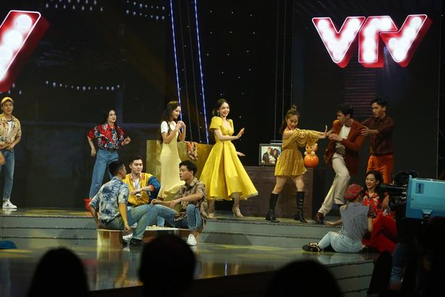 Dàn diễn viên Nhà trọ Balanha khuấy động sân khấu VTV Awards 2020 - Ảnh 5.
