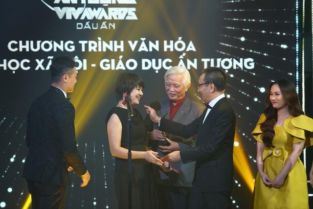Quán thanh xuân: Về nhà xem phim chiến thắng ở VTV Awards 2020 - Ảnh 3.