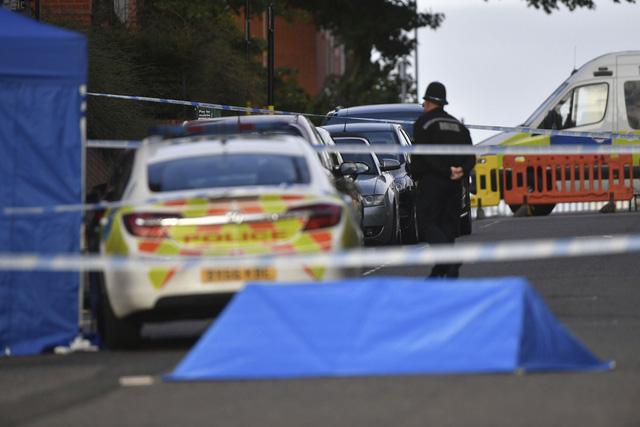 Đâm dao nghiêm trọng tại Birmingham (Anh), ít nhất 1 người thiệt mạng - Ảnh 1.