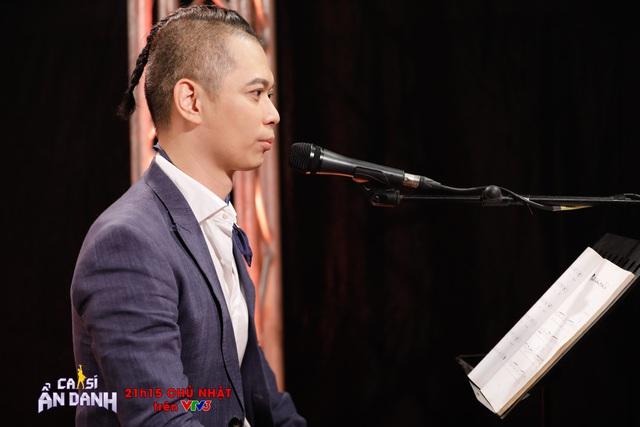 Hoàng Bách xin lỗi Nam Khánh trên sóng truyền hình sau 10 năm - Ảnh 1.