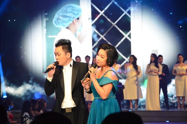 Lắng đọng với tiết mục của Mỹ Linh - Tùng Dương tại VTV Awards 2020 - Ảnh 2.