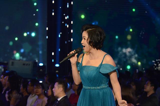 Lắng đọng với tiết mục của Mỹ Linh - Tùng Dương tại VTV Awards 2020 - Ảnh 6.