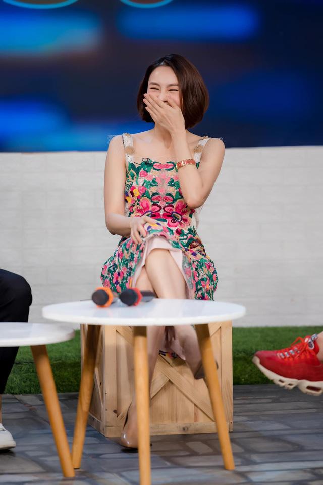 Cười té ghế với màn hoán đổi vai diễn của Hồng Diễm - Xuân Nghị - Ảnh 6.