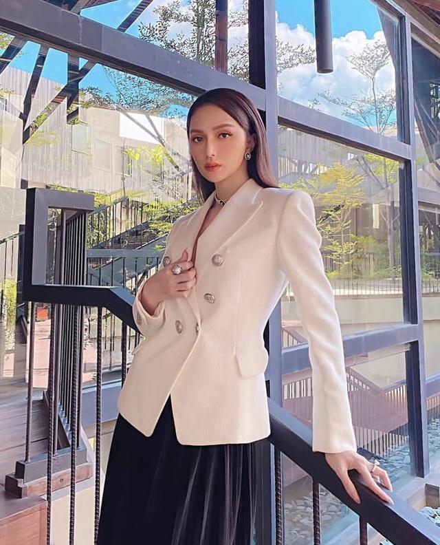 Hoa hậu chuyển giới Hương Giang: Đặc quyền của phụ nữ là được dựa dẫm - Ảnh 1.