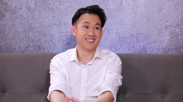 Dương Triệu Vũ: Anh Hoài Linh sinh ra lúc gia đình tôi có mấy chiếc xe hơi - Ảnh 1.