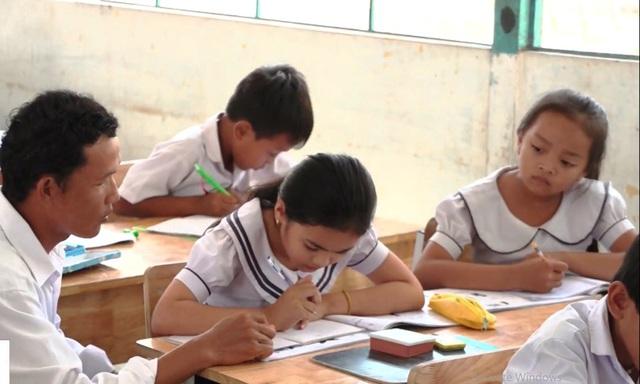 Những bước tiến dài từ vùng trũng giáo dục - Ảnh 1.