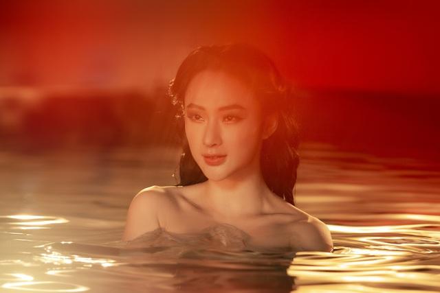 Angela Phương Trinh tái xuất sexy sau thời gian ở ẩn - Ảnh 1.