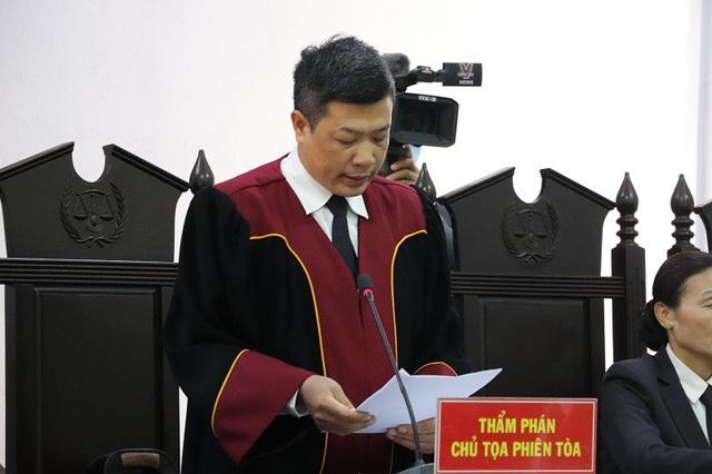 Hoãn phiên tòa xử Trịnh Sướng do 1 bị cáo có giấy chứng nhận tâm thần - Ảnh 3.