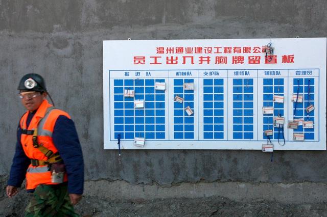 Nổ mỏ vàng tại Sơn Đông, Trung Quốc triển khai chiến dịch cứu hộ 22 thợ mỏ bị mắc kẹt - Ảnh 1.