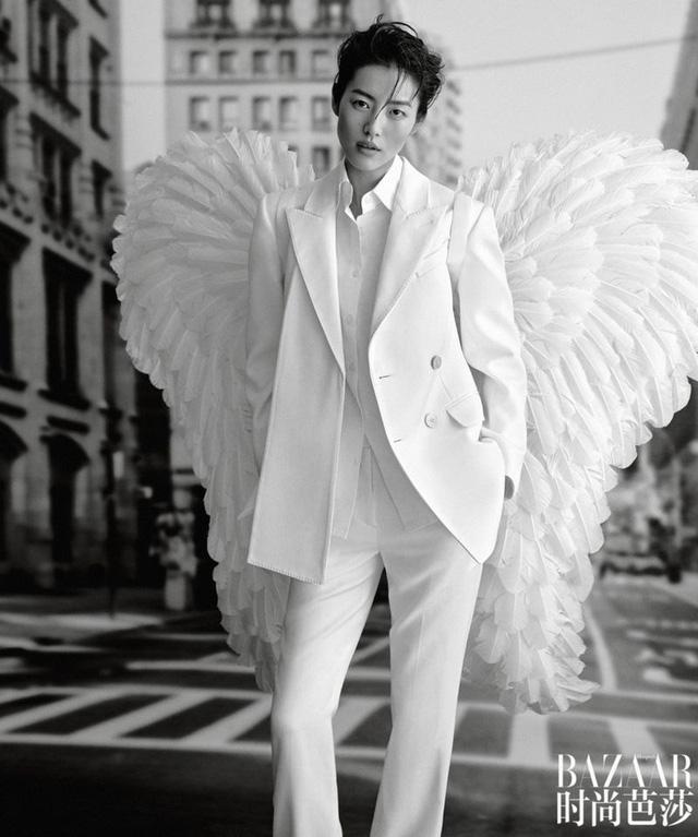 Siêu mẫu Lưu Văn và cú mở màn hấp dẫn cho Harper's Bazaar Trung Quốc - Ảnh 4.
