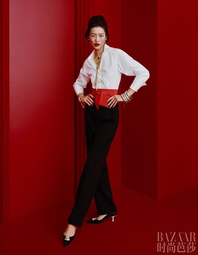 Siêu mẫu Lưu Văn và cú mở màn hấp dẫn cho Harper's Bazaar Trung Quốc - Ảnh 6.