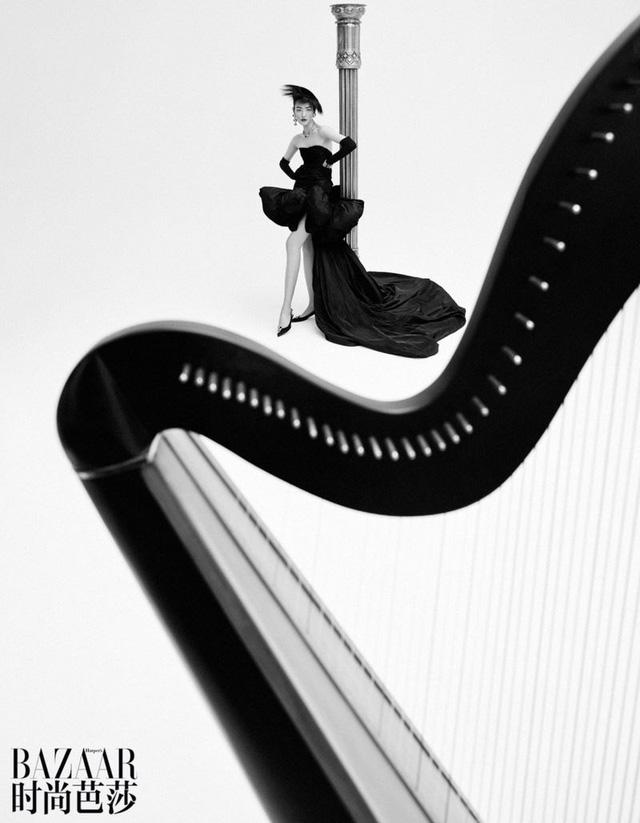 Siêu mẫu Lưu Văn và cú mở màn hấp dẫn cho Harper's Bazaar Trung Quốc - Ảnh 9.