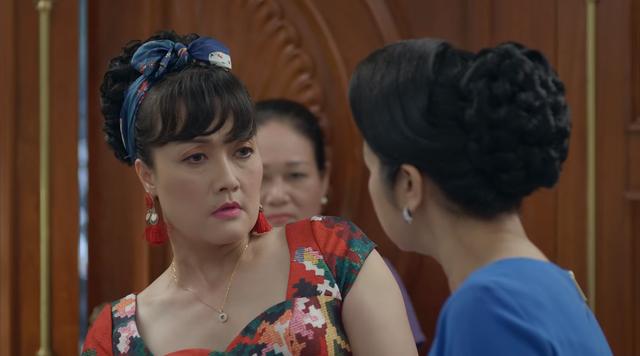 Hướng dương ngược nắng - Tập 14: Bị chửi là ngu dốt, bà Diễm Loan vẫn tự tin bật bà Bạch Cúc - Ảnh 3.