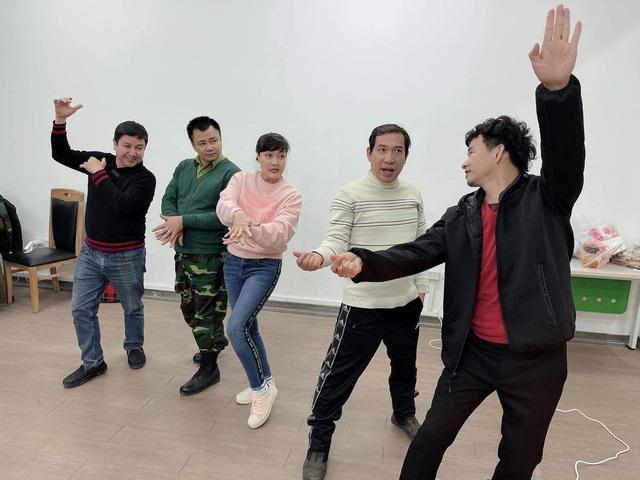Dàn Táo quân 2021 say sưa tập vũ điệu rửa tay - Ảnh 1.